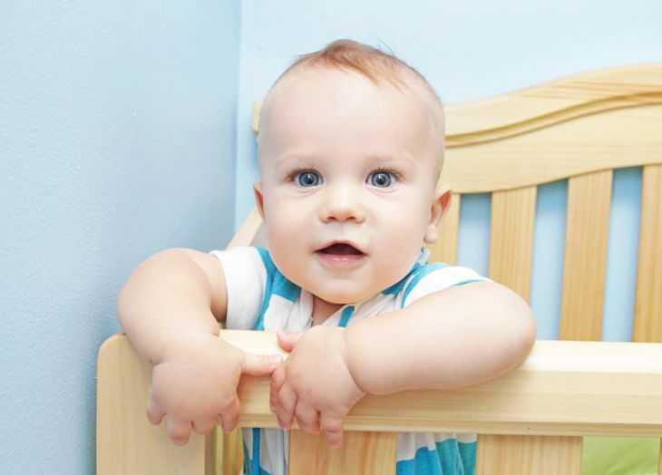 Базовый рацион питания ребенка в 4 месяца - меню при искусственном и грудном вскармливании малышей