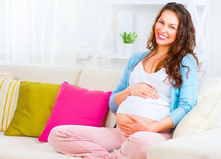 Когда малыш начинает толкаться? На каком сроке и этапе развития ребенок начинает толкаться (видео + 105 фото)