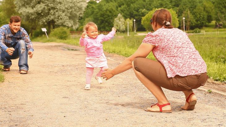 Советы и упражнения чтобы научить ребенка ходить самостоятельно: основные методы и упражнения как безопасно ускорить процесс обучения (125 фото)