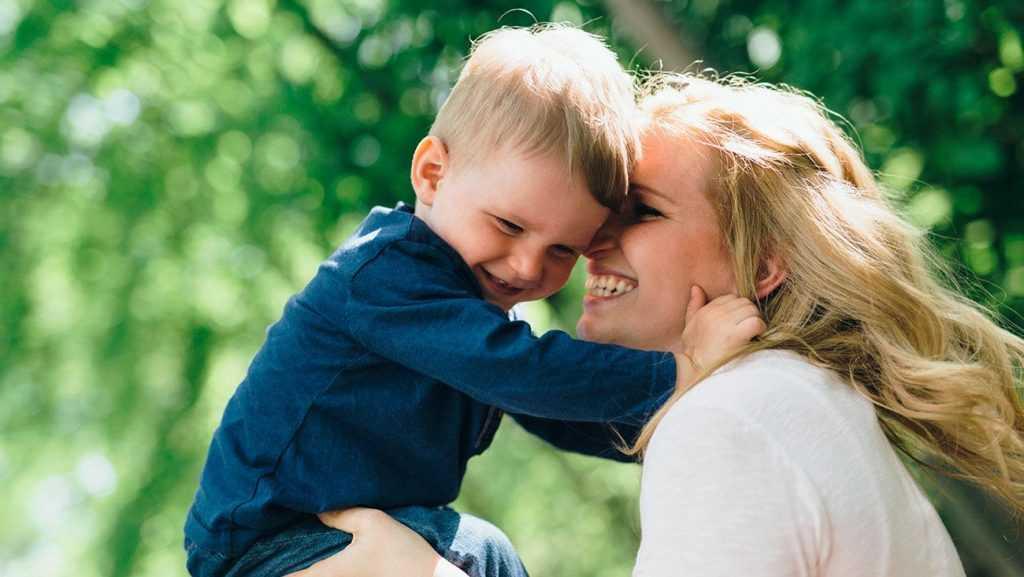 это современный малыш и тетя картинки картина